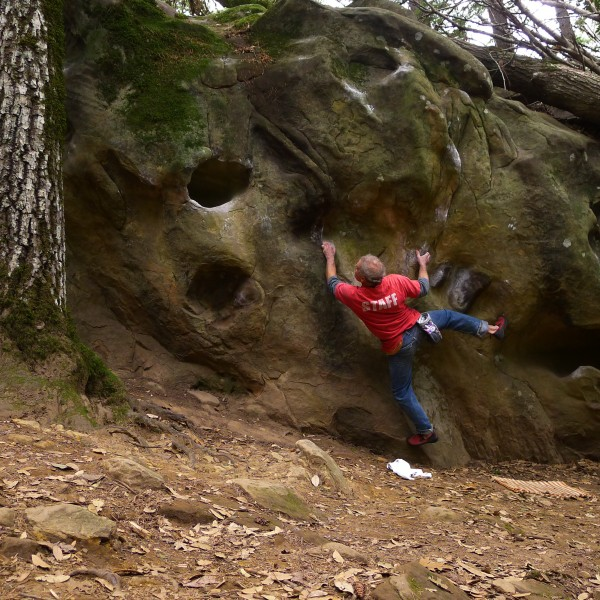 Mike Arechiga on, Parking Lot Traverse V4