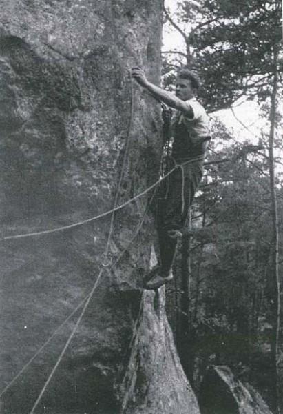 Fontainebleau Climbing 1946 La voie de la Calanquaise 3