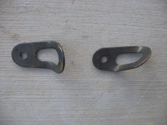 2 types of Dolt bolt hangers.