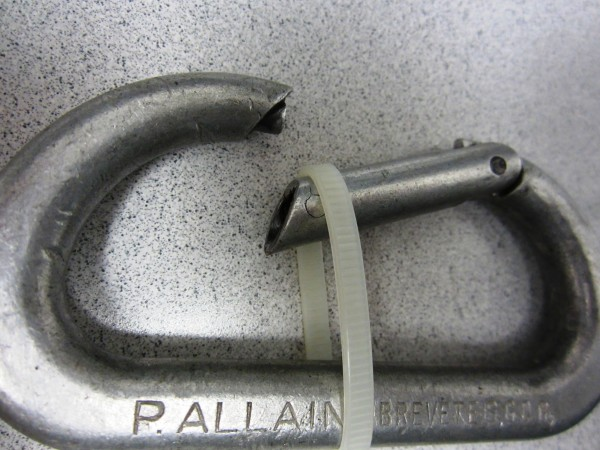 Notchless carabiner