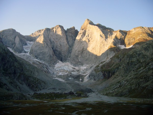 Vignemale, in the French side of the massif, with its almost 1 Km high...