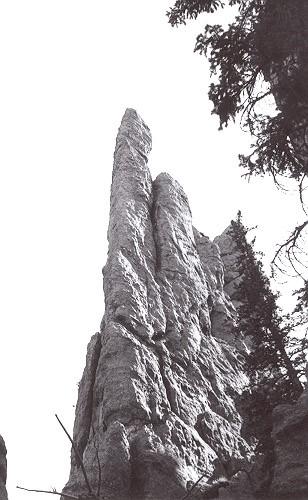 El Mokanna, Black Hills Needles
