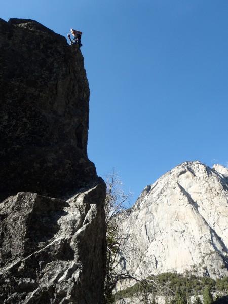 Top-rope boulder