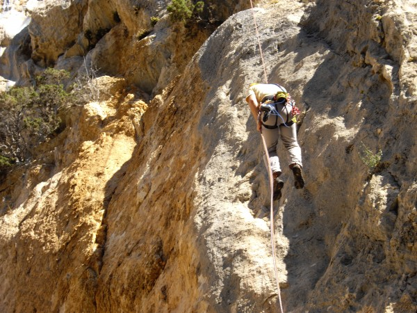The final abseil on the Pilier des Ecureuilles is long and free.