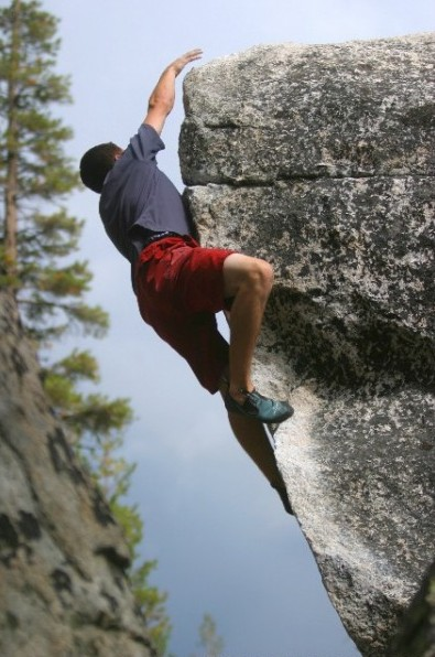 Carlo Traversi fires up the &quot;Golden Rastafarian&quot; &amp;#40;V6&amp;#41;. <br/>