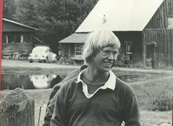 Neil Beidleman from Aspen with John Denver look.