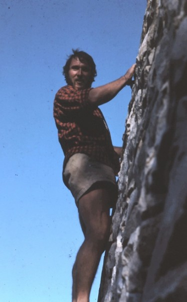 Guido buildering on Parson's Lodge, Tuolumne Mdws.