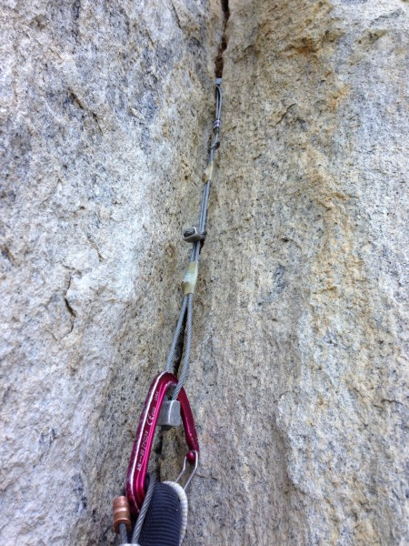 Intertwining three stoppers to reach a distant placement on pitch 8.