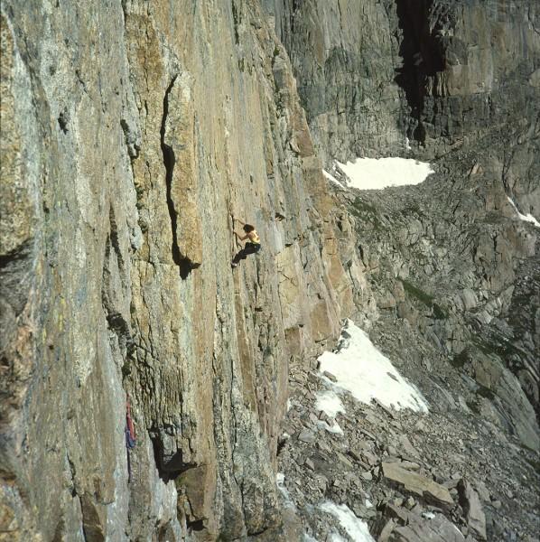 Derek Hersey, Yellow Wall