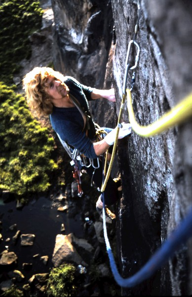 Bob Smith on Birdlime Traverse, a Dolphin classic.