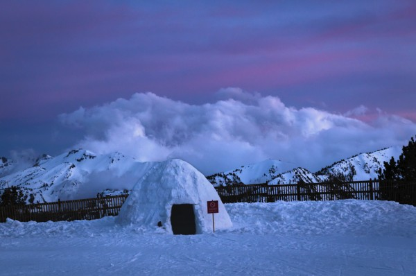 Igloo at June Mountain