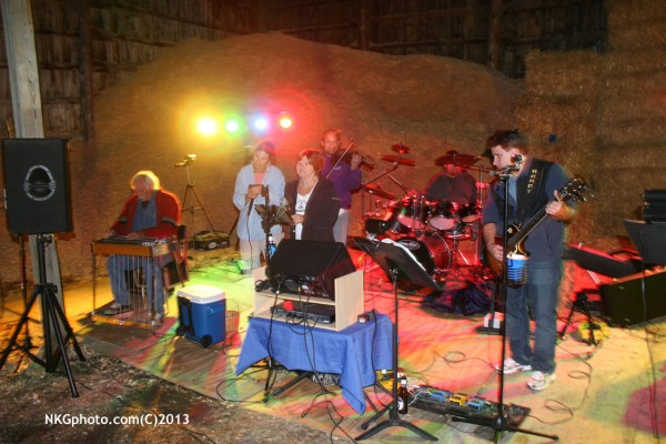 Band in the hay/saw dust barn