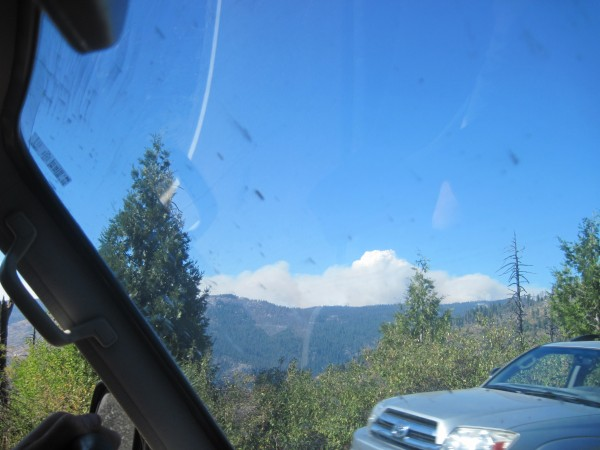 theres the first look at the rim fire as driving in from wawona.