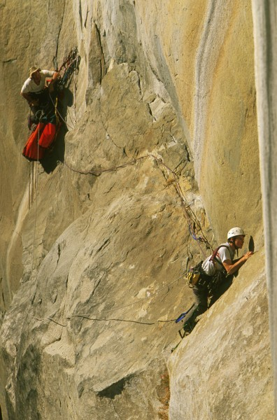 Chris McNamara leading Pitch 3 of Tangerine Trip, El Capitan.