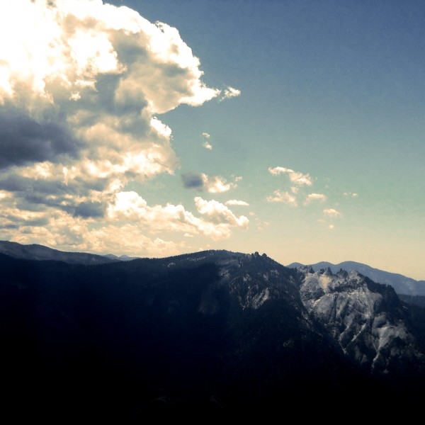 A view from the High Sierra Trail in Sequoia NP