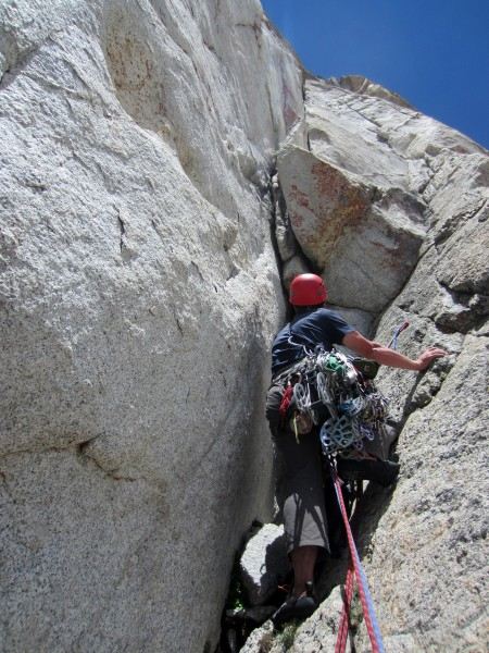 Leading P4 on the SW Face of Conness (by Nic Risser)