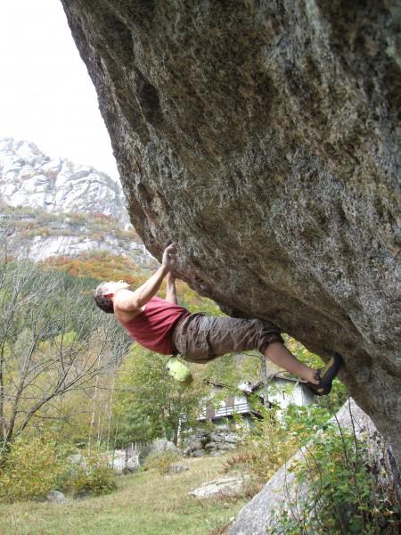 Alec Burns climbing
