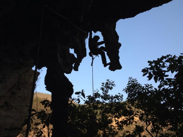 Rodrigo on some big stalactites on Cascabel 11a