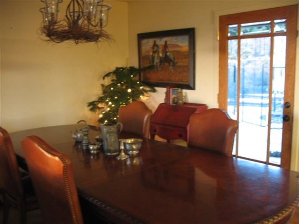 Starting to get the casa ready for Christmas guests, dinners and gener...