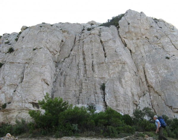 Marseilleveyre, Le Massilia. Here you find around 20 bolted routes, 25...