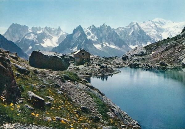 Les Grandes Jorasses, Les Aiguilles de Chamonix, Le Mont Blanc and Le ...