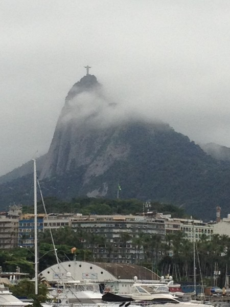 Cristo emerging from the clouds.