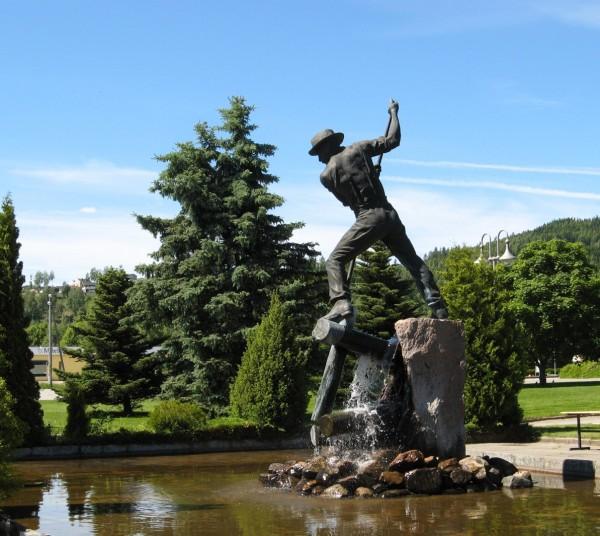 Flisa - log driver statue