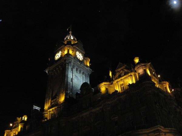 Evening moon over Edinburgh (2/11/14).