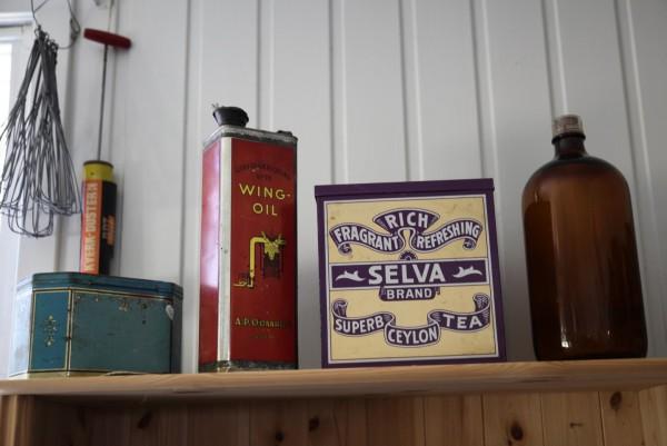 Wing oil and Ceylon tea