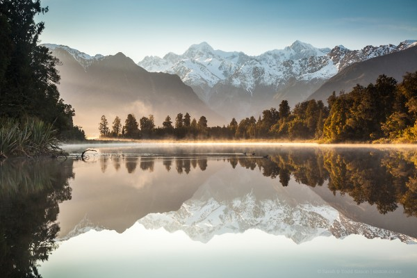 Lake Matheson, South Island, New Zealand.