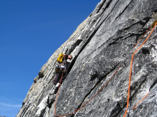 2009 on East Wall, Lover's Leap. P2 traverse.