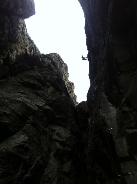 bradly johnson toping out on pineapple express .10c, emerald's gorge, ...