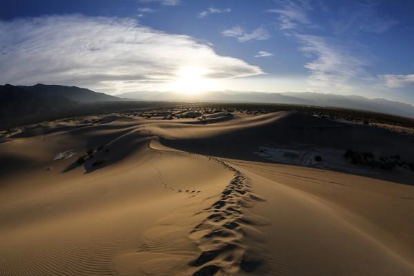 Wrap-around light in Death Valley