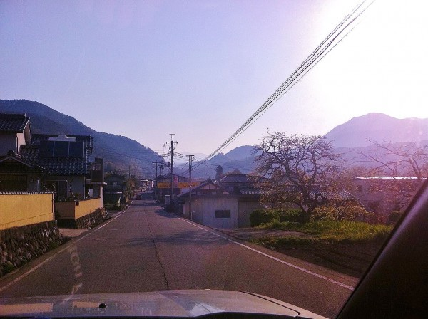 early morning, clear Spring weather, driving out to Central Japan's mo...