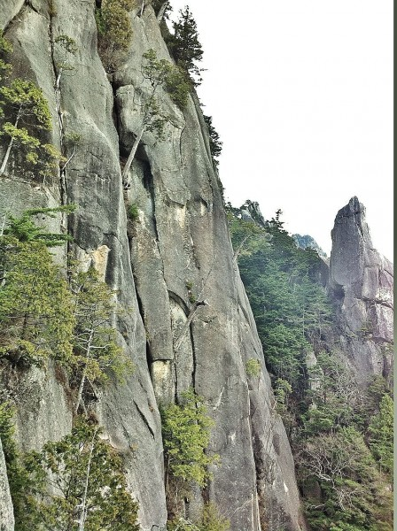 slabs, cracks, walls and spires: Mizugaki has dozens of routes options...