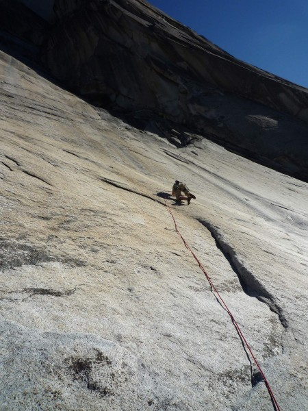 Tommy Caldwell starting up the first pitch free variation of Mt. Watki...