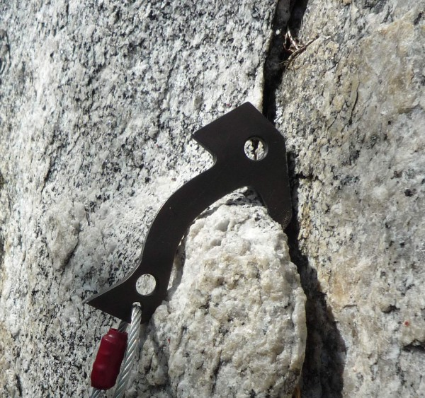The Tomahawk works as a regular hook in some applications thanks to th...