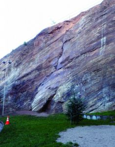 Beaver Streeet Wall - Direct Crack 5.9 - Bay Area, California USA. Click to Enlarge