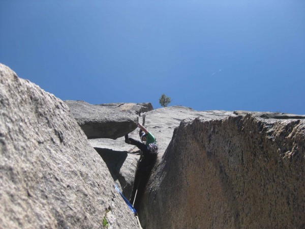 Chris McNamara leading Pitch 6 of Gold Wall (pitch above roof)...