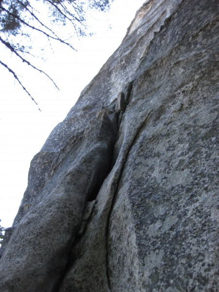 The Groove (5.8), looking up from the bottom