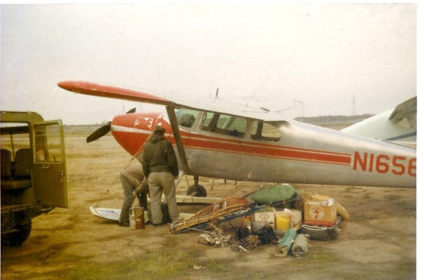 Margaret Young and Jim Richardson loading the Cessna 180 in Palo Alto ...