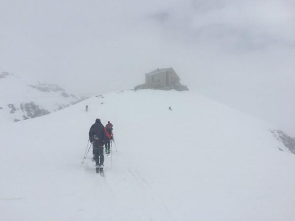Approaching the Dix Hut