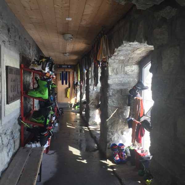 The drying room, Vignettes Hut