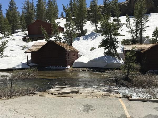 Lee Vining Creek at the cabins' doors.