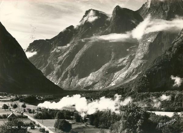 Raumabanen - the train