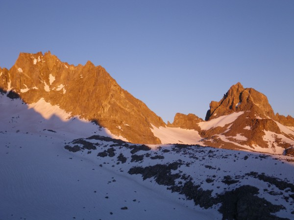 Alpenglow on Thunderbolt and Winchell