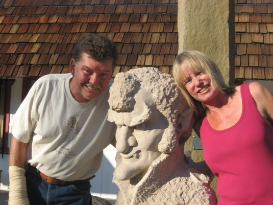 Roger, Phil Bircheff's sculpture of Warren Harding, and Mary Lou Long ...