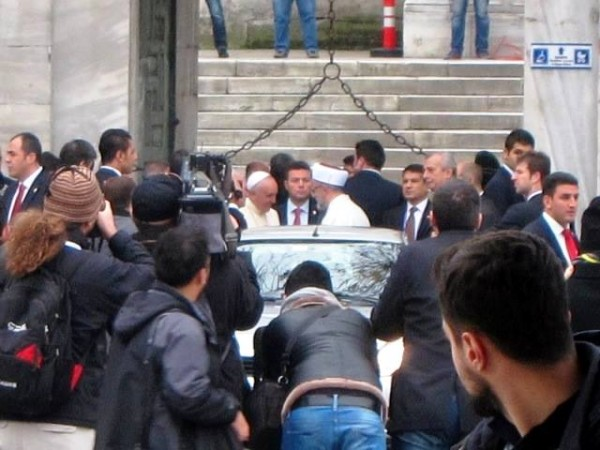 The Pope outside the Blue Mosque November 2014