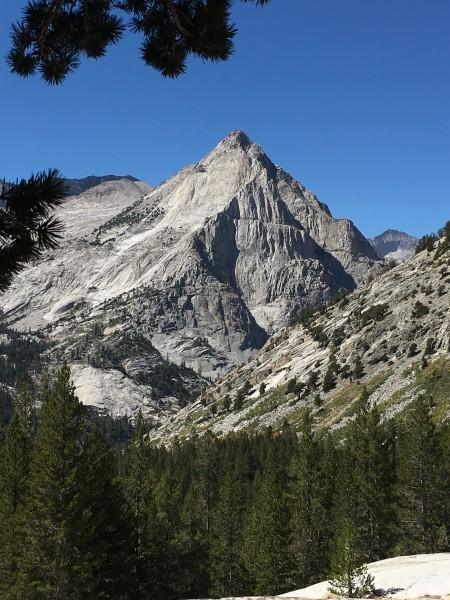 The beautiful granite-mass that is Langille Peak