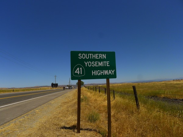 The road to Southern Yosemite.